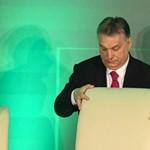 És akkor Londonban fényreklám hirdette az Orbán-haveroknál landolt 8 milliárd dollárt