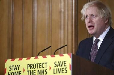 Boris Johnson: Nem az oltások, hanem lezárás miatt csökkent a súlyos megbetegedések és a halálesetek száma