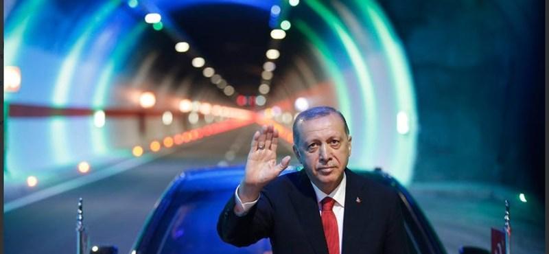 """""""Te Hitler""""; """"Te tömeggyilkos"""" - Orbán két szövetségese rettenetesen egymásnak ment"""