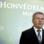 A honvédelmi miniszter küldte el a Honvédkórház orvosigazgatóját