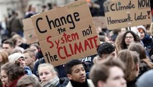 Diákok kérik az Egyesült Királyság parlamentjét, hogy építsék be a környezettudatosságot az oktatásba