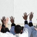 Ferenc pápa helikoptterrel megy ma ebédre Benedekhez