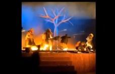 Nem mindenkinek jön be, hogy szórakozni is lehet Rijadban: előadás közben késeltek meg három művészt