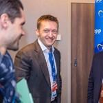 Kommunikációs blöffjátékot játszik a kormány az Európai Bizottsággal