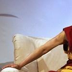 Még az is lehet, hogy a dalai láma nőként születik újjá