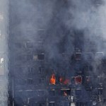 Grenfell-tragédia: kézzel válogatják az emberi maradványokat a törmelékből