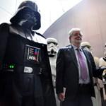 """""""Mint egy válás"""" – George Lucasra nehéz napok várnak a Star Wars-premier miatt"""