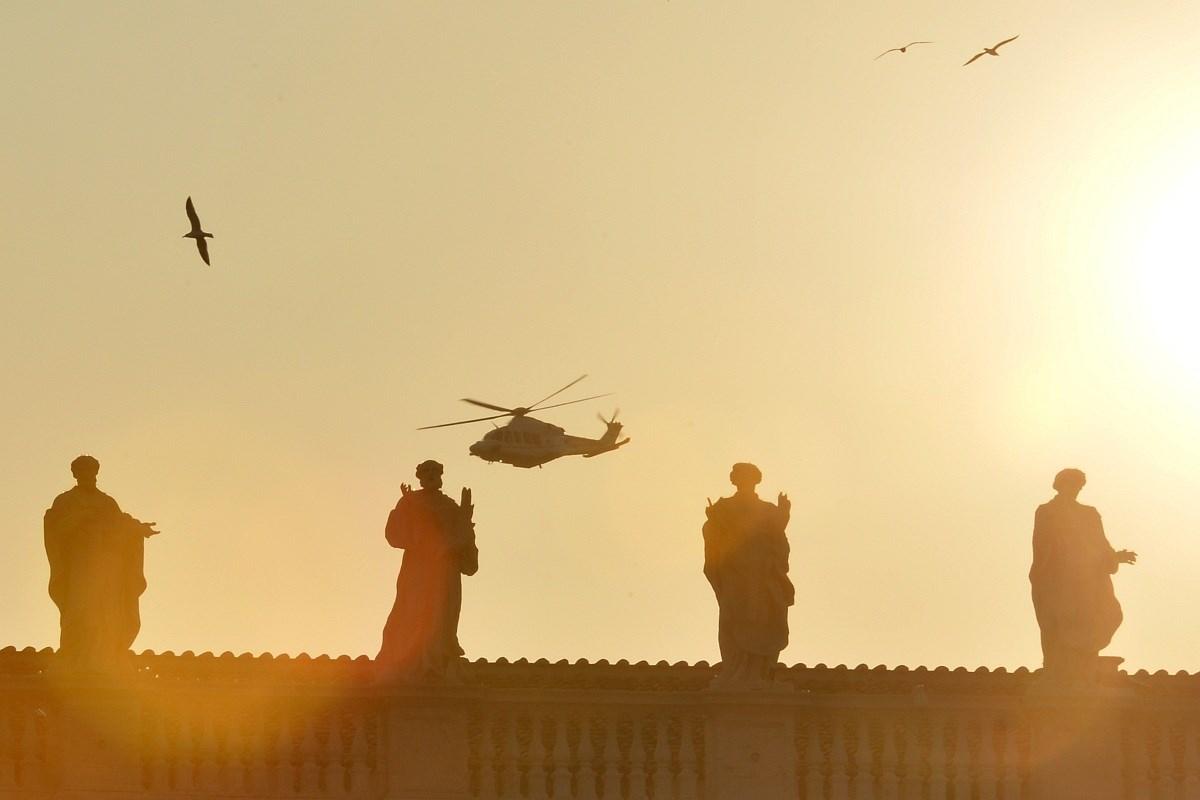 XVI. Benedek Pápa elköszönt a hívektől és bíborosaitól - Nagyítás-fotógaléria