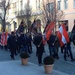 SS-jelvény miatt ítélték el a Székesfehérváron masírozó szélsőségest