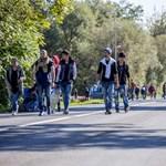 Ausztriában megindult a menekültek menete Graz felé – fotók