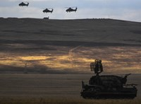 Háborúra hasonlít az orosz–kínai hadgyakorlat, és az amerikaiak vesztésre állnak