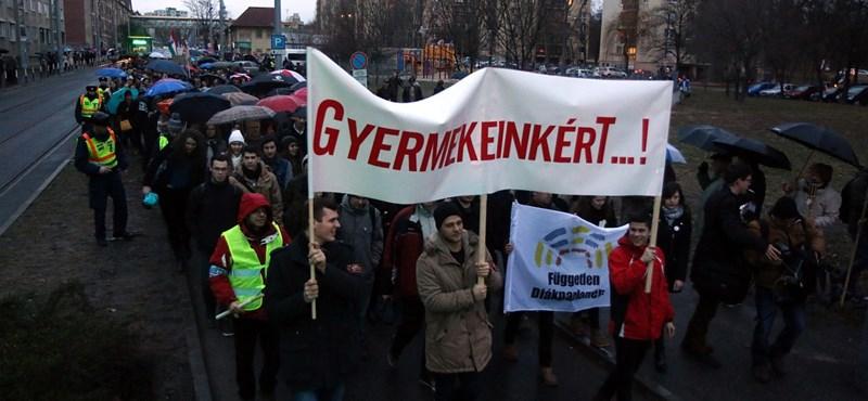 A tudósok és kutatók szakszervezete is a tanárok mellé állt