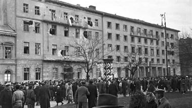 Akkorát baloldalizott a Fidesz, hogy elfelejtette a forradalom áldozatait