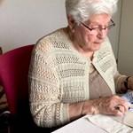 Egy holland nagymama kihímezte a legédesebb ajándékot meleg unokájának – fotók