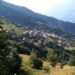 Megrohanták a külföldiek a letelepedőknek pénzt adó svájci falut