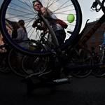 Több ezer bicikli a magasban - Nagyítás-fotógaléria