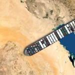 Hogy mutatna a Szuezi-csatornában rekedt teherhajó a sulitok mellett? Kipróbálhatjátok