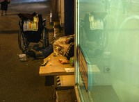 Budapesten is elvitték az első hajléktalant