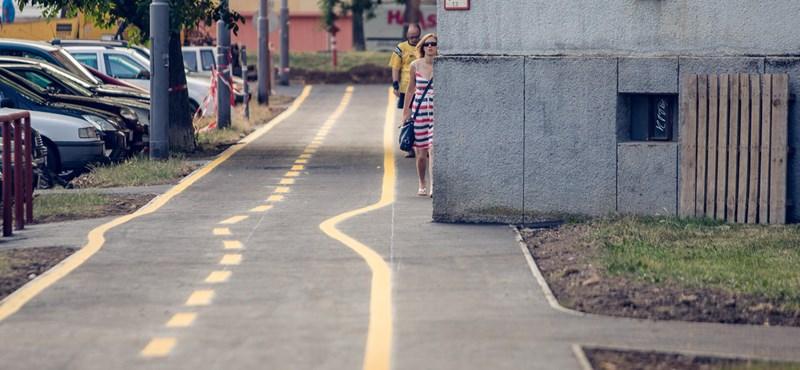 Fotó: Ilyen bicikliutat is ritkán láthat, Szombathely viszont meglépte