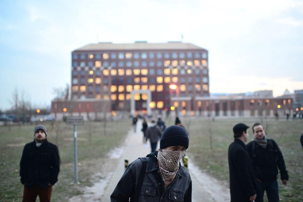 Tüntetés az ELTE lágymányosi kampuszánál ELTE TTK