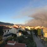 Nyaralók, figyelem! Durva erdőtűz pusztít a horvát tengerpartnál
