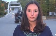 Házhoz jött a híradó: épp a riporter mögött estek iszonyatosat egy quaddal