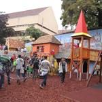 Sikerült balesetveszélyes játszóteret építeni 40 millióból a Budai Vár tövében
