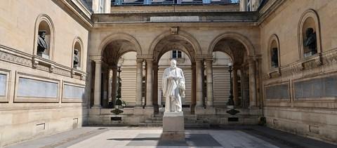 Ezek a legjobb francia egyetemek: tények és érdekességek a top ötről