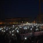 Újabb demonstrációt szerveznek délutánra Budapesten: Ádernek is üzennek