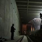 Havonta tízmilliókat bukik a BKV a 4-es metrón