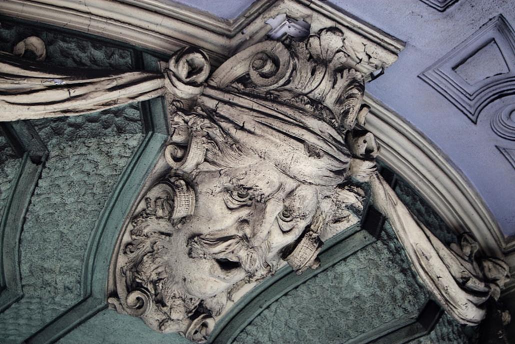 Walla József mozaik- és cementgyáros bérpalotája.