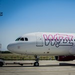 A folyosóra vizelt egy utas a Wizz Air egyik gépén - videó