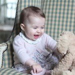 Elképesztően cuki fotók készültek Sarolta hercegnőről
