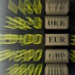 Hajszálnyira a 300-tól az euró
