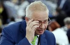 Bruttó 13 milliós lelépési pénzzel ment Trócsányi Brüsszelbe