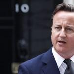 Most a líbiai helyzet miatt szakította meg nyaralását David Cameron