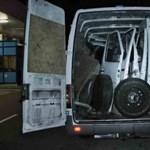 Fotó: Lopott alkatrészekkel tömték tele a furgont
