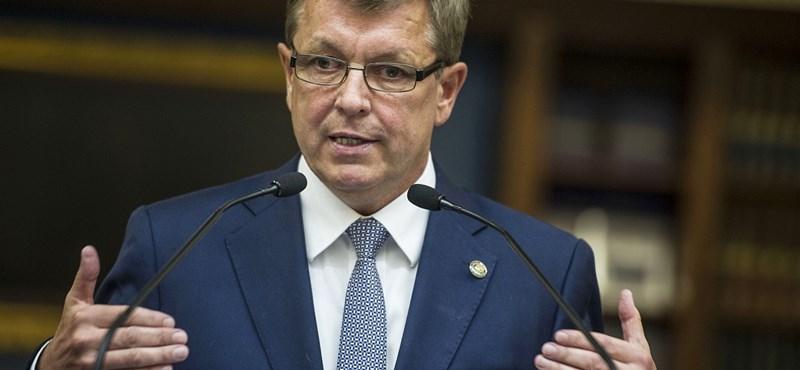 Az MNB felügyelőbizottságát nem érdekli, mennyit fizettek Matolcsyék Vajda Zitának
