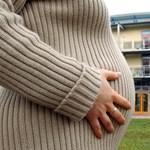 Brit kutatás: pénzkidobás a terhesvitaminok szedése