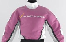 Az új divat szerint haza sem kell vinni a ruhát, mégis jól mutat Facebookon