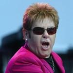 Képmutatással vádolja a Vatikánt Elton John