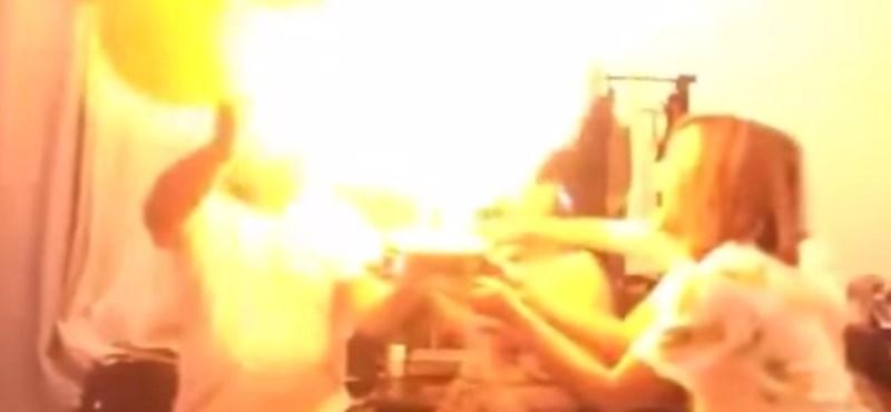 Videó: Ezért NEM állunk tűzijáték közelébe hidrogénes lufival