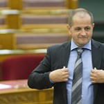 Példátlan parlamenti eskü lett Budai Gyuláéból a DK miatt