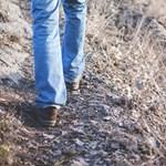 Brit tudósok szerint közel négyszer nagyobb valószínűséggel hal bele a Covidba az, aki lassan jár