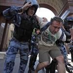 Közel 120 ezer tisztségviselőt választanak ma meg Oroszországban