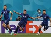Csodagóllal nyertek a csehek, Szlovákia hamar vezetést szerzett a lengyelek ellen – percről percre a foci-Eb negyedik napjáról