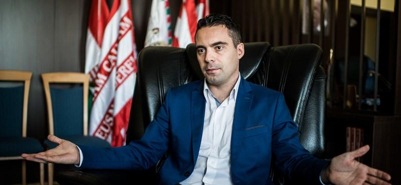 Vona Polttal vizsgáltatná, hogy Orbán bűncselekményt követ-e el