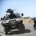 Szíriai kurdok: Obama még fegyvert adott nekik, Trump most ezt beszünteti