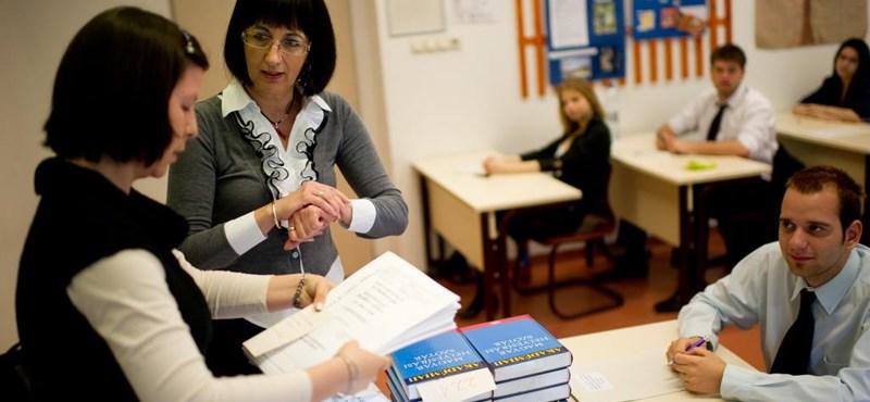 Csökkennek a gyerekek lehetőségei, esélyei - a tanárhiányról készít felmérést a Szülői Hang