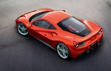 Kémvideón az akár hangtalanul is suhanni képes új Ferrari sportkocsi